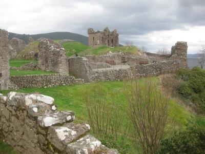 castle loch ness