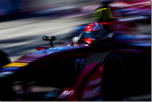 2015/2016 FIA Formula E Championship. Long Beach ePrix, Long Beach, California, United States of America. Friday 1 April 2016. Loic Duval (FRA), Dragon Racing - Venturi VM200-FE-01. Photo: Zak Mauger/LAT/Formula E ref: Digital Image _79P5537